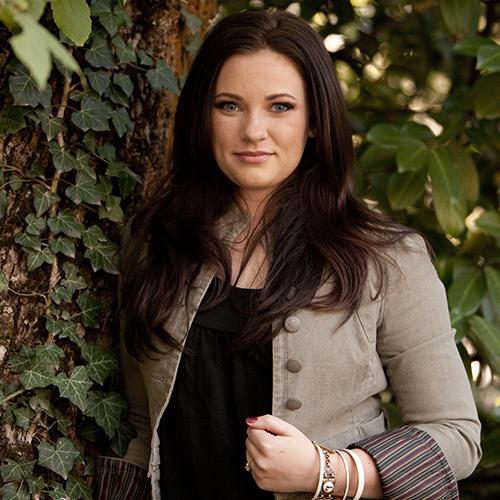Rebecca Croft ( vocals )